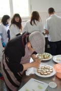 """Двата клуба по готварство шокираха с изявата си по проект """"Твоят час"""" - Гимназия по туризъм и строителство - Смолян"""