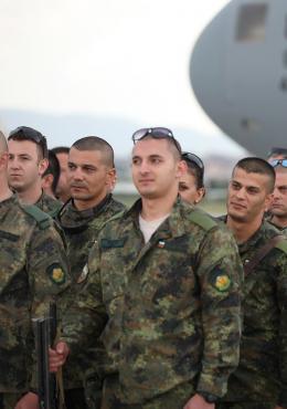 Наши ученици бяха посрещнати от министъра на отбраната - Изображение 2