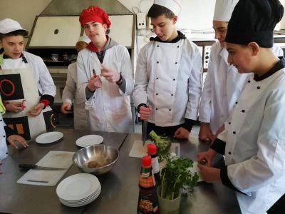 Началото в кулинарните техники бе поставено вече в 9 клас - Изображение 4