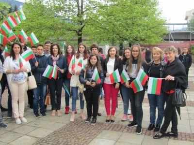 С трибагреници се включихме в празничното шествие за 24 май - Изображение 4