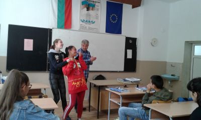 Гост на осмокласниците бе психологът Росен Кубински - Изображение 8