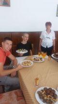 С умения за сладкари завърши група ученици - Гимназия по туризъм и строителство - Смолян