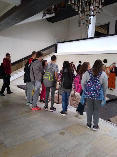 10 клас истински се забавляват чрез учене в музея - Изображение 8