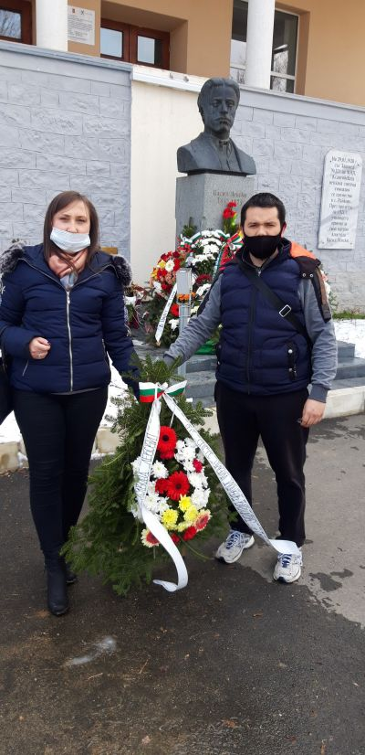 С изложба и венци се поклонихме пред Левски - Изображение 2