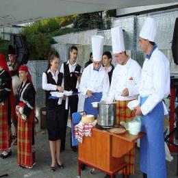 ПГТ-Смолян-3 - Гимназия по туризъм и строителство - Смолян